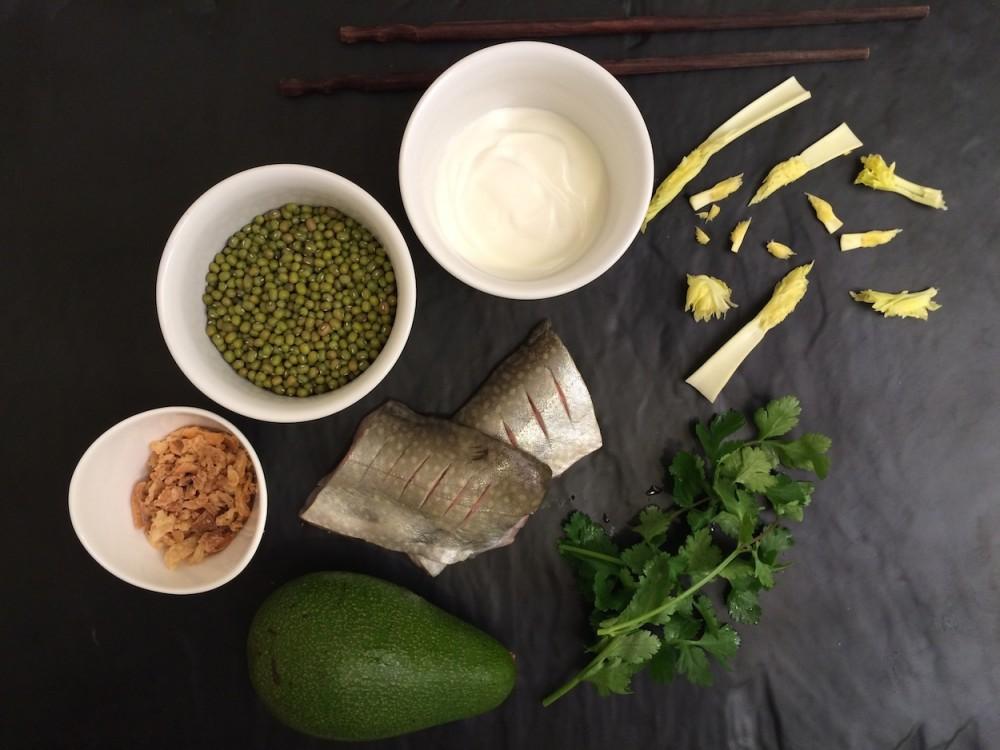 Siven, avokádový jogurt a mungo fazole