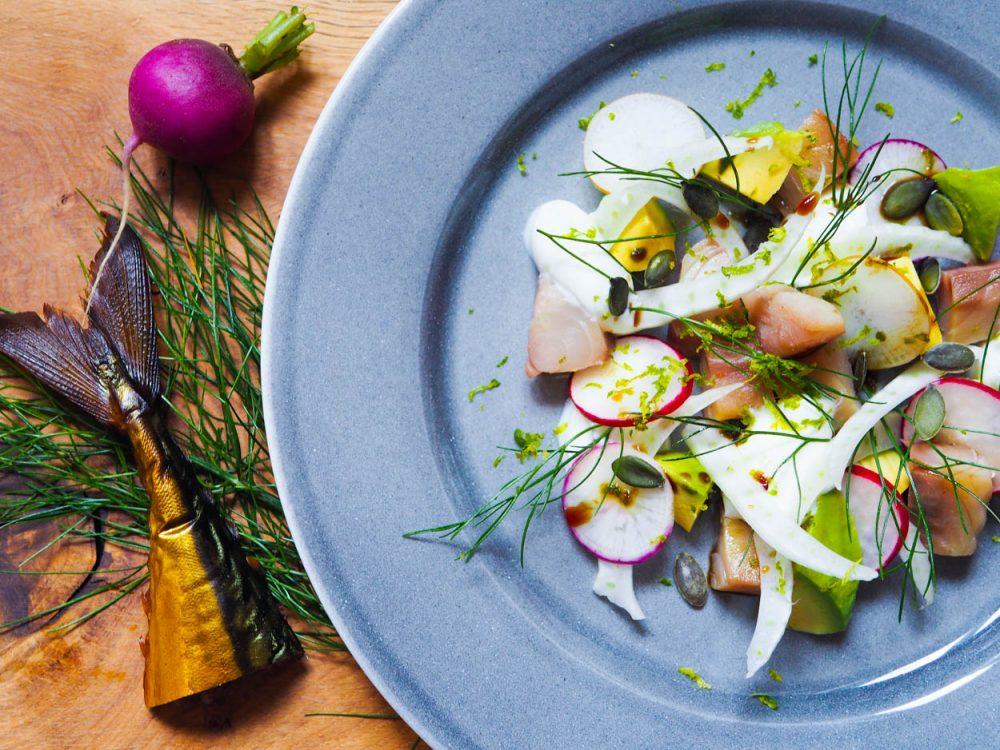 Uzená makrela, skyr, avokádo a fenykl
