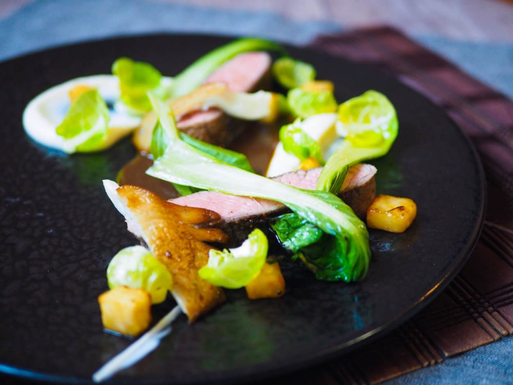 Květová špička sous vide, celer, med a sójová omáčka