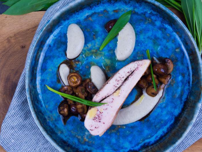 Kuřecí prso, balsamikové žampiony s medvědím česnekem a pyré z topinamburů