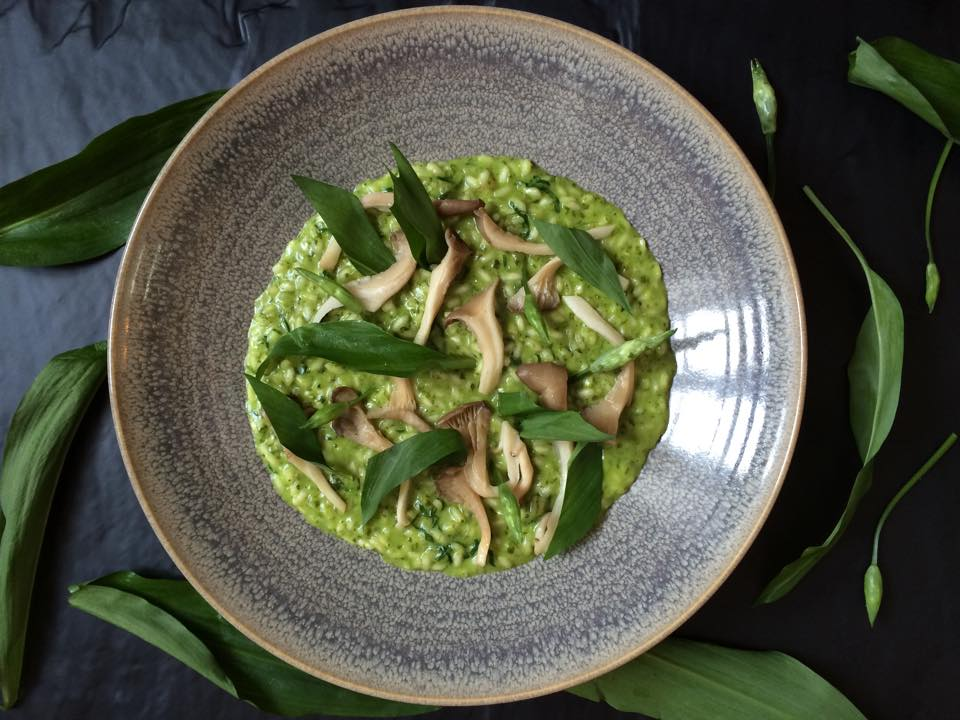 Risotto with wild garlic, oyster mushrooms and parmesan