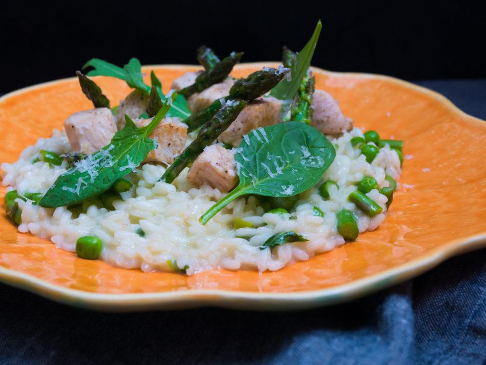 Chřestové rizoto s hráškem a krůtím masem