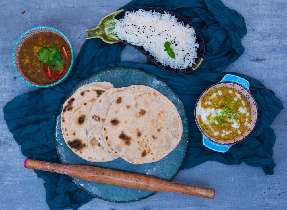 Indická hostina: butter chicken masala, čočkový dhál a placky chapati